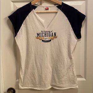 Nike University Of Michigan Distressed V-neck XL